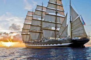 El buque escuela ruso Kruzenshtern navegando