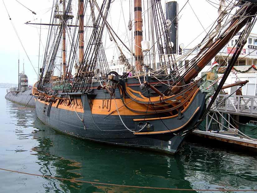 Fragata HMS Surprise en su muelle del Museo Marítimo de San Diego