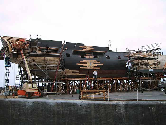 Modelo de la fragata Surprise hecha para el tanque de agua