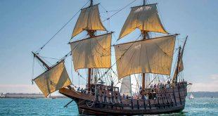 Réplica del Galeón San Salvador navegando por aguas de San Diego, en California