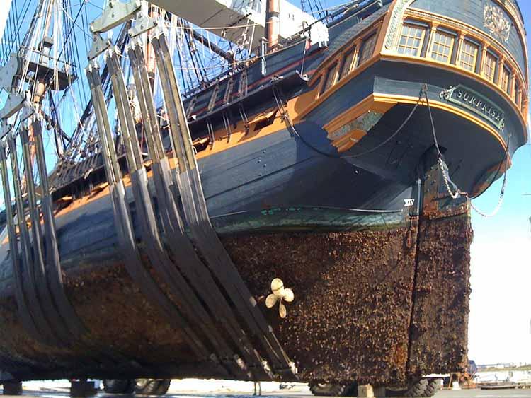 La fragata HMS Surprise en los astilleros de Chula Vista, en San Diego
