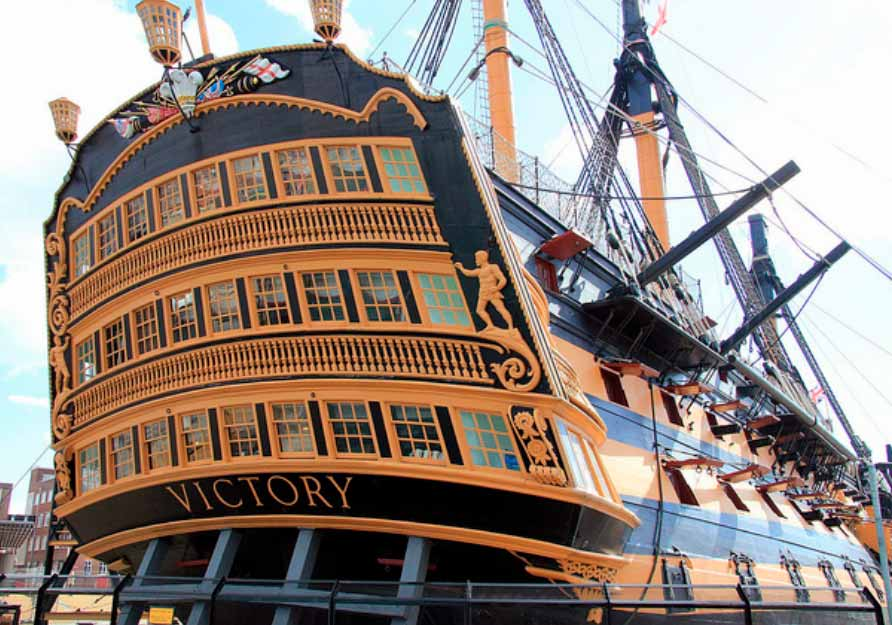 EL HMS Victory, navío insignia del vicealmirante Nelson en el combate naval de Trafalgar. Fotografía actual del navío en Porstmouth, donde se encuentra actualmente en un dique seco como Museo.