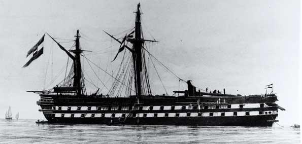 Fotografía del navío austriaco Kaiser tras la batalla de Lissa