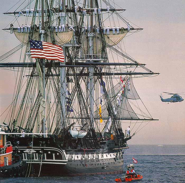 La fragata Constitution preparándose para partir