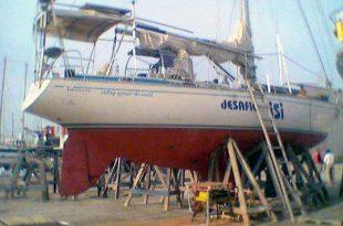 El velero Islero en tierra firme.